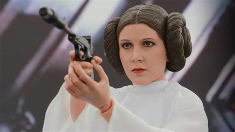 Hot Toys' Princess Leia Is On A Diplomatic Mission To Raid