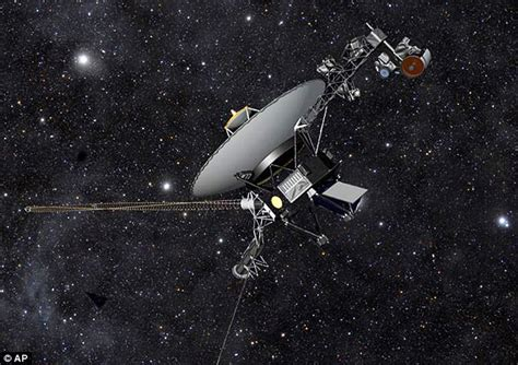 Voyager 1 leaves solar system, enters interstellar space