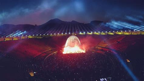 David Gilmour returns to Pompeii | Belwood Music