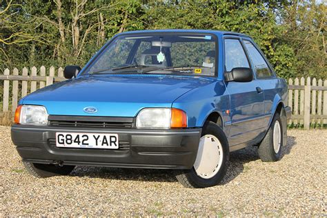 ROAD TEST - MKIV FORD ESCORT | Classics World