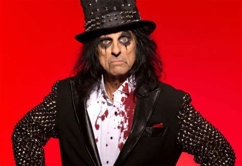 Alice Cooper returns to Oz 40 years after first visit