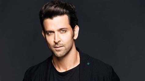 Hrithik Roshan signs his first BIOPIC, read details about