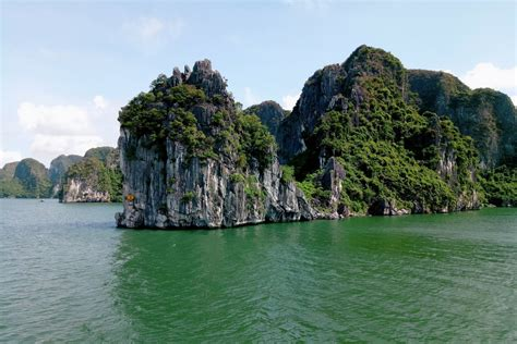 Useful Information for First-time visit Halong Bay